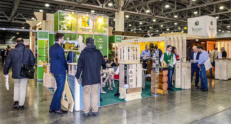 Объединенный стенд предприятий отрасли деревянного домостроения Кировской области на выставке «Деревянный дом 2018»