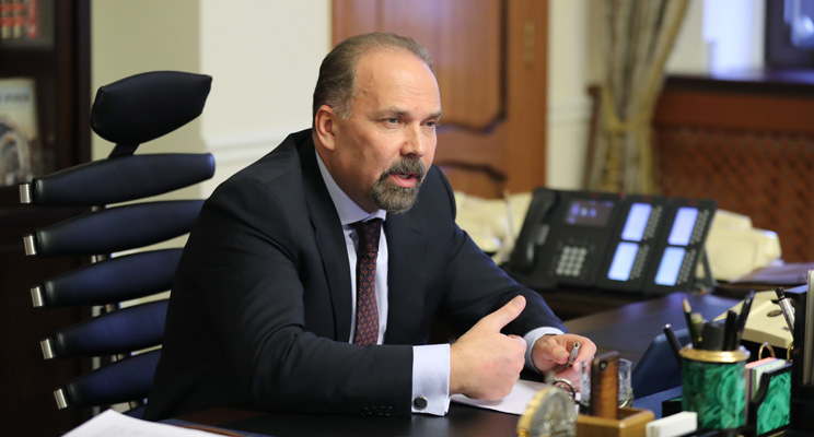 Министр строительства и жилищно-коммунального хозяйства РФ М.А. Мень на открытии выставок